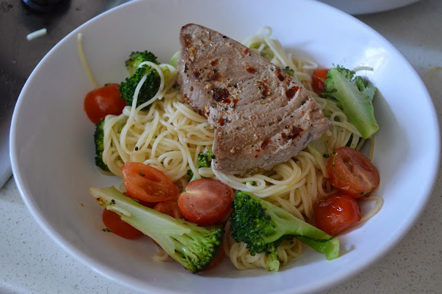 Chilli lemon tuna and broccoli spaghetti