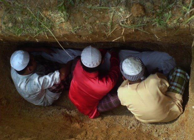 Kenapa Mayat Harus Dikubur? Ini Alasan Ilmiahnya