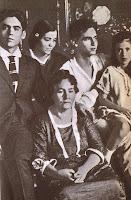 Lorca con su madre y sus hermanos