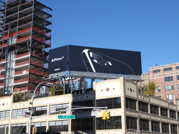 Apple iPhone 7 billboard NYC