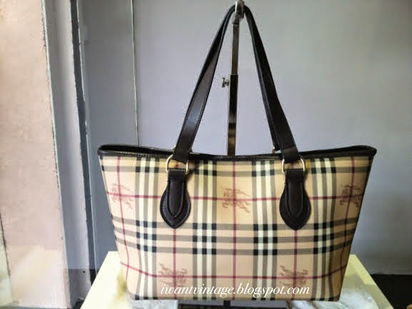 be19c1aa27e8 Burberry Haymarket Tote Bag