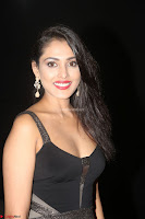 Madhu Shalini in a Glamorous Deep neck Black Sleeveless Dress at Mirchi Music Awards South 2017 ~  Exclusive Celebrities Galleries 002.JPG