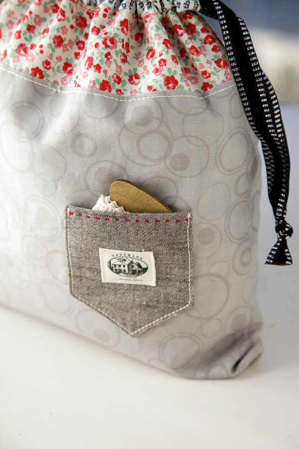 Drawstring Bag String Pouch. DIY Tutorial with Photos. Finished size: 9 inch x 11 inch