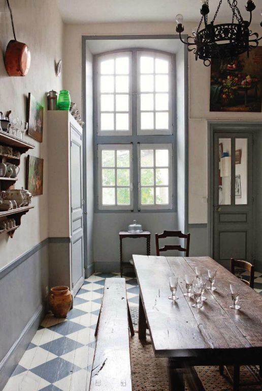 25 Kitchens in France {French Kitchen Decor Inspiration