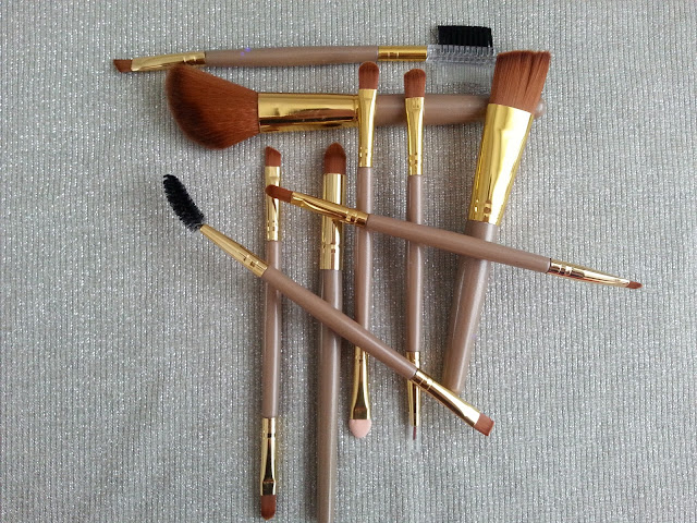 makeup, makeup brushes
