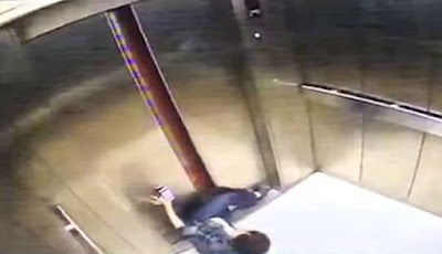 kaki terjepit pintu lift