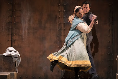 English Touring Opera - Puccini: Il Tabarro - Sarah-Jane Lewis, Charne Rochford(Photo Richard Hubert Smith)