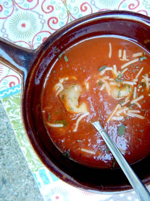 cheese tortellini tomato soup (sweetandsavoryfood.com)