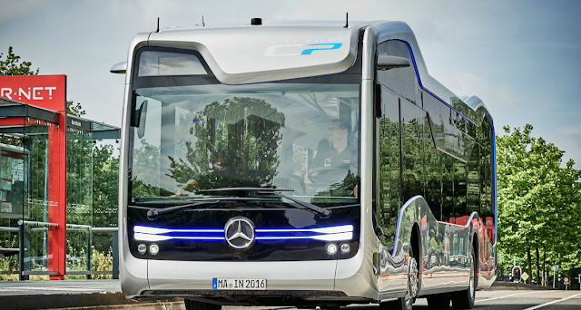 Video Uji Coba Bus Masa Depan Ala Mercedes-Benz