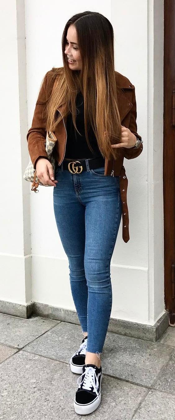 fall outfit idea / brown jacket + bag + top + skinnies + sneakers