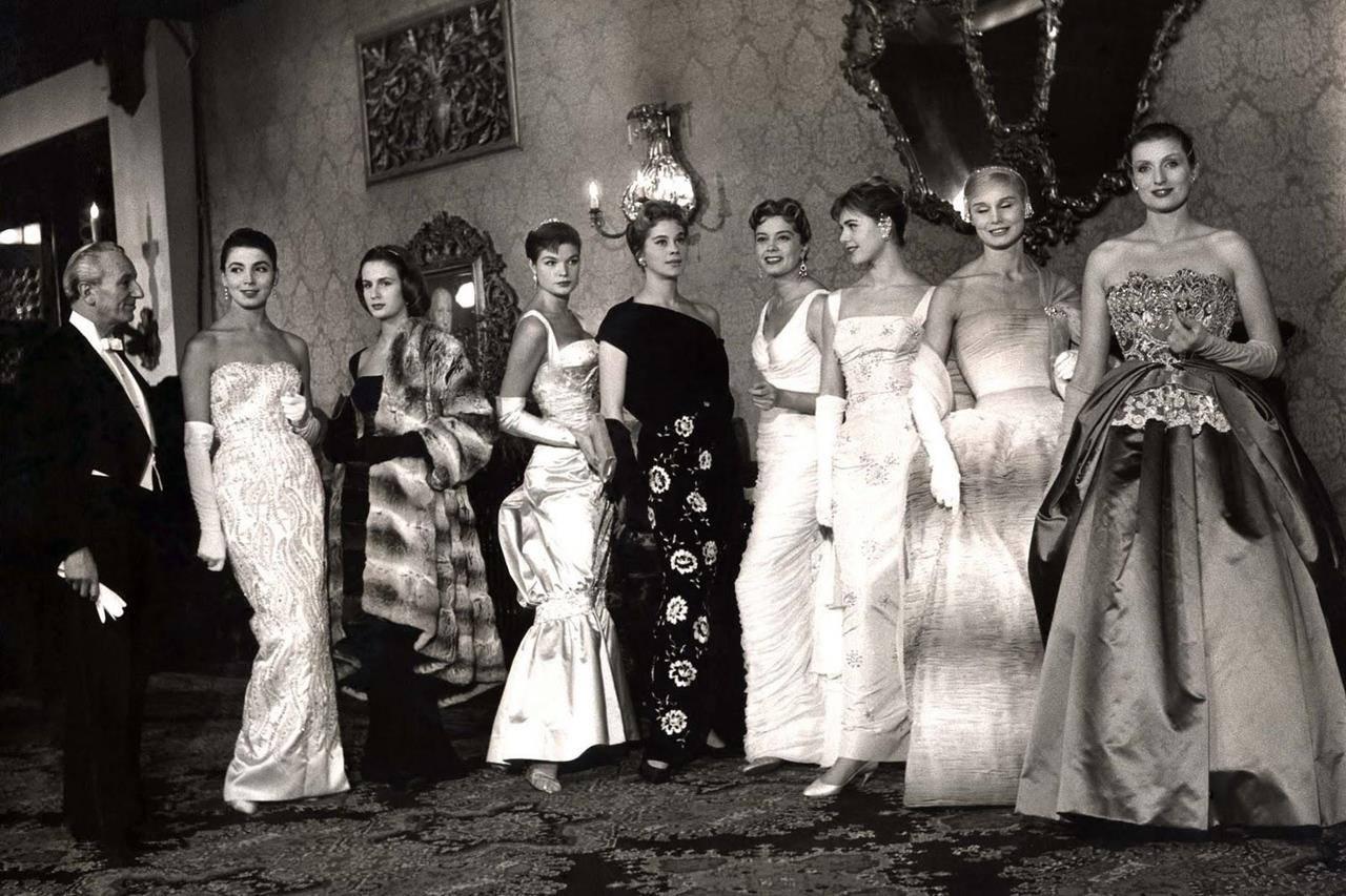 origins of fashion shows?