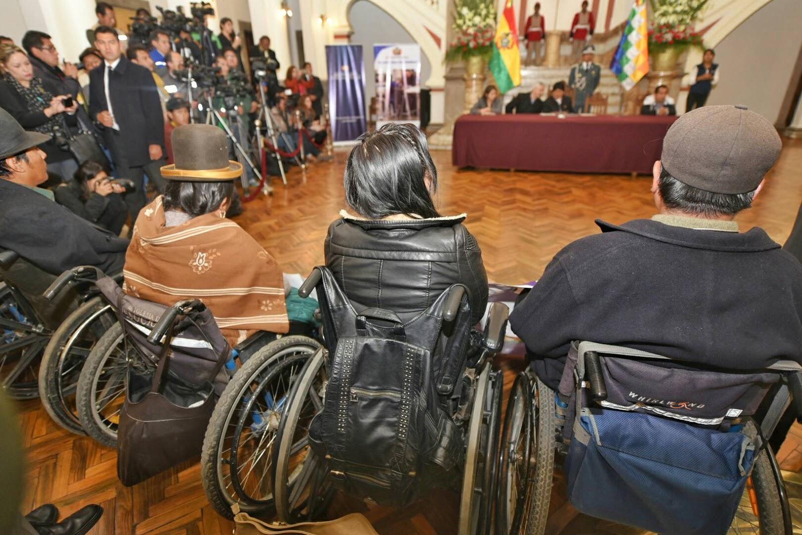 Promulgación en Palacio de Gobierno lugar que antes fue cercado para las sillas de ruedas