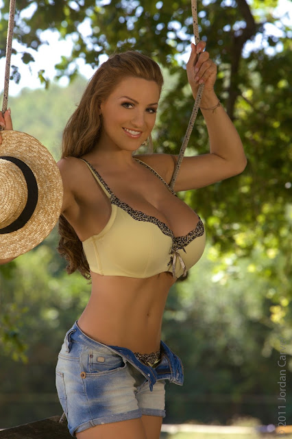 hot-and-sexy-Jordan-Carver-Swing-photo-shoot-hd-pic-10