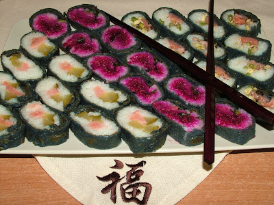 Naleśnikowe czarne sushi