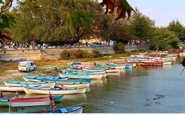 Gölyazı'da-Tekne-Gezintisi-Keyfi