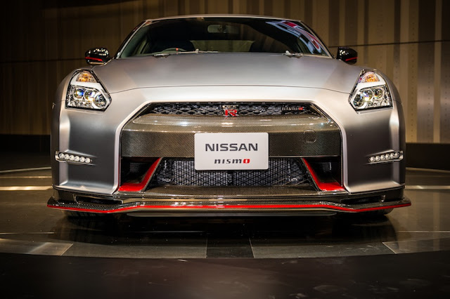 GT-R NISMO 正面から