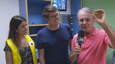 Nataly, Porchat e Otávio nos bastidores do 'Passa ou Repassa' (Divulgação/SBT)