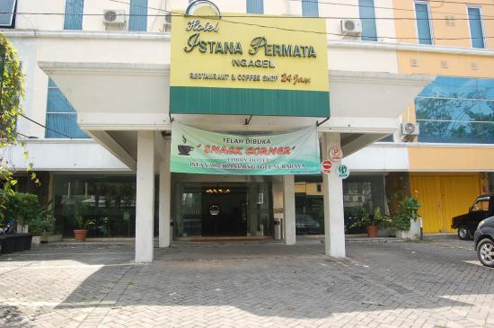 Hotel Ini Adalah Salah Satu Berbintang Tiga Yang Mempunyai Harga Cukup Murah Sekitar Rp 300000 Saja Sesuai Dengan Namanya Berada Di
