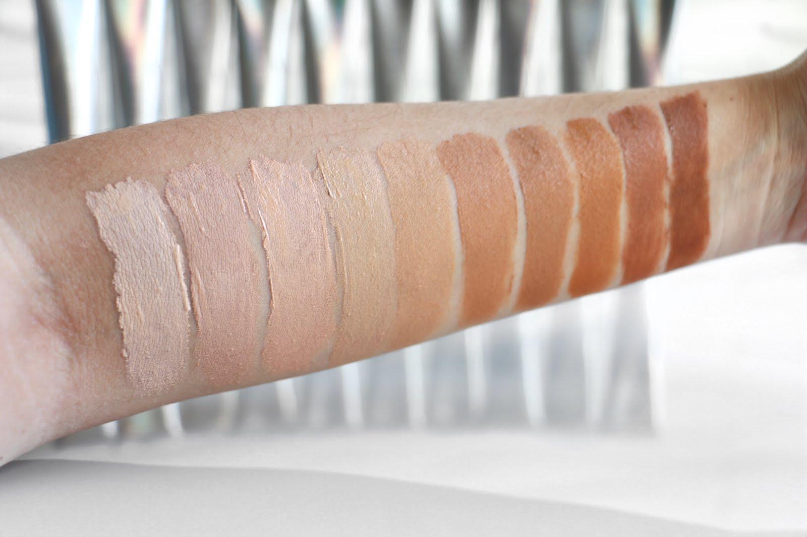 PÜR-Cosmetics-Bare-It-All-12-Hour-4-in-1-Skin-Perfecting-Foundation-Vivi-Brizuela-PinkOrchidMakeup