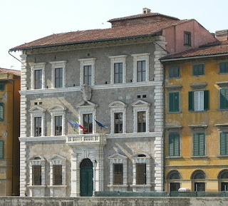 The Palazzo alla Giornata on the Arno embankment is one of the main buildings of the University of Pisa