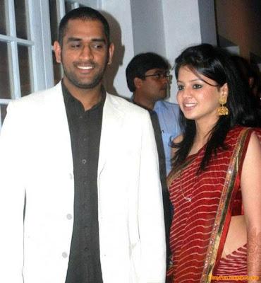 sakshi-dhoni-slams-media-for-dhoni-one-lakh-donation-news