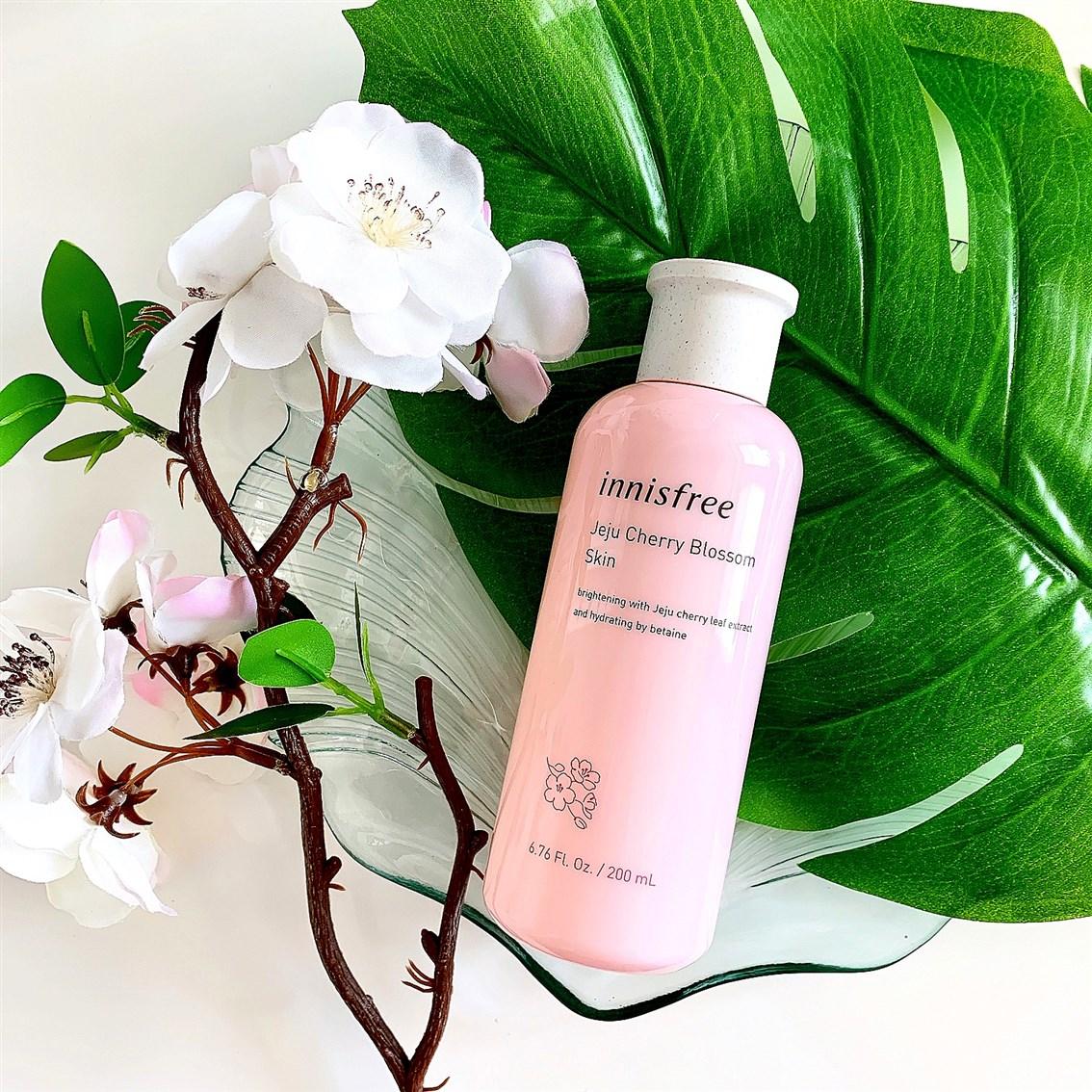 Innisfree Jeju Cherry Blossom Skin toner