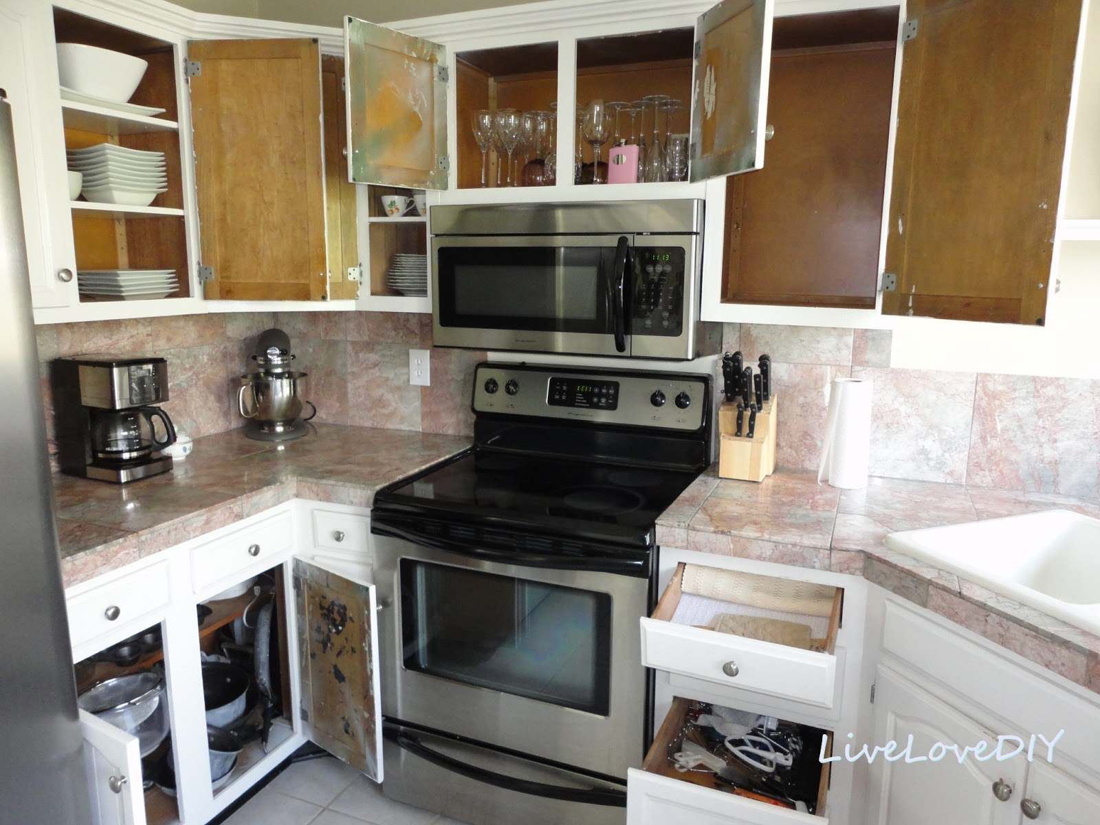 Creative Ways To Update Your Kitchen Using Paint
