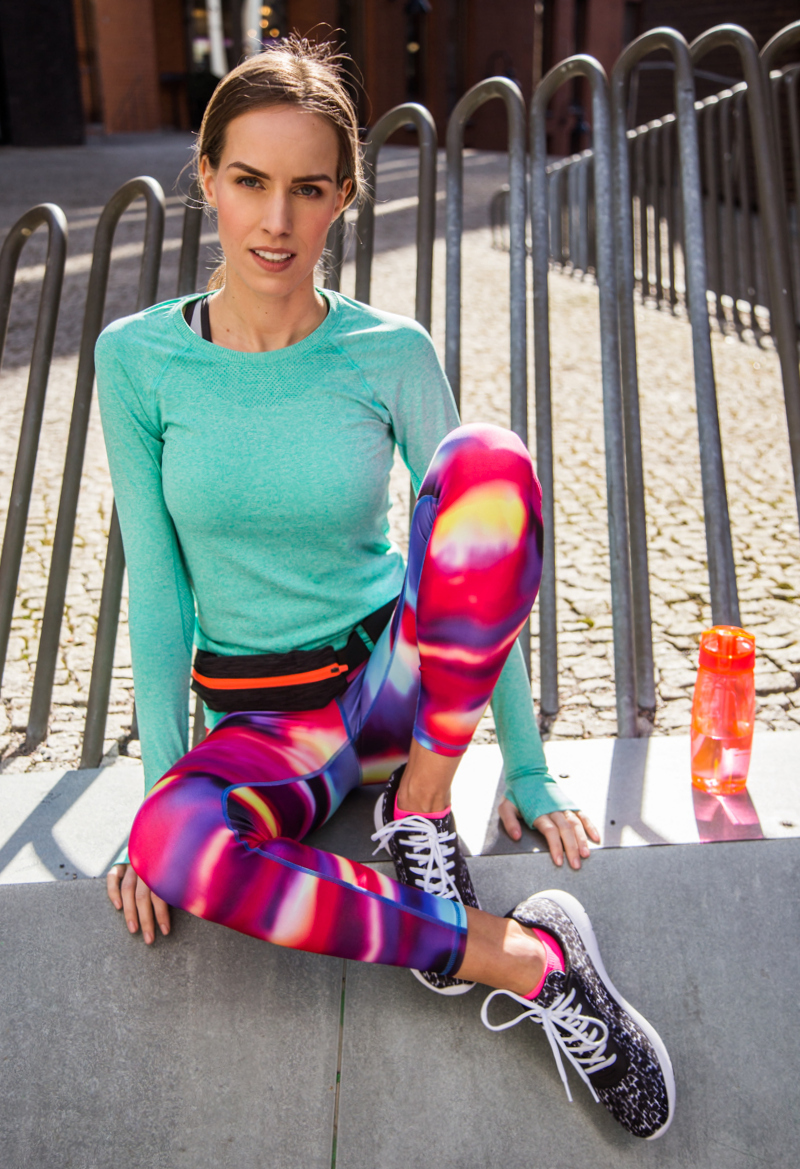 kristjaana mere hm min turquoise sports top neon pink patterned tights