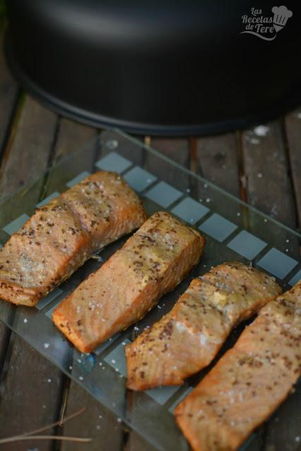 Salmón preparado en horno ahumador macerado con moztaza antigua y zumo de mandarinas 06