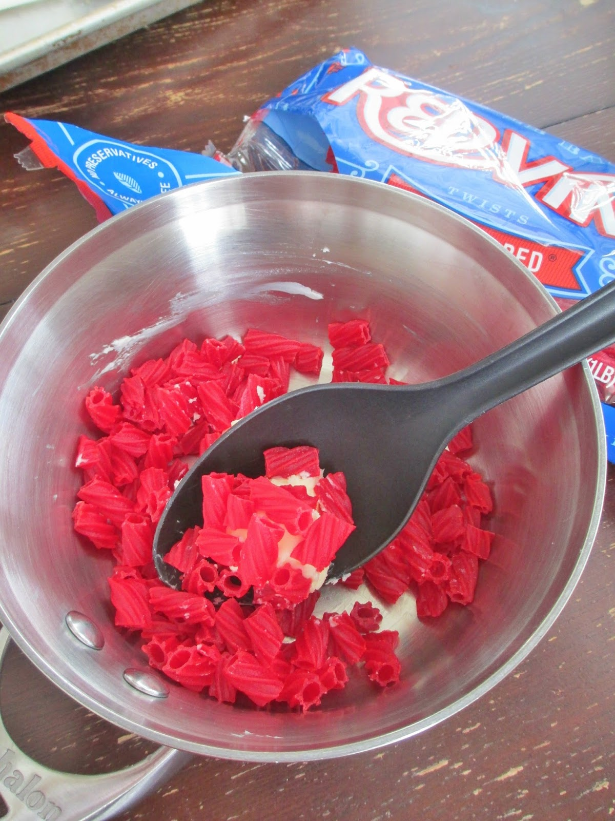 Make Red Vine Icing