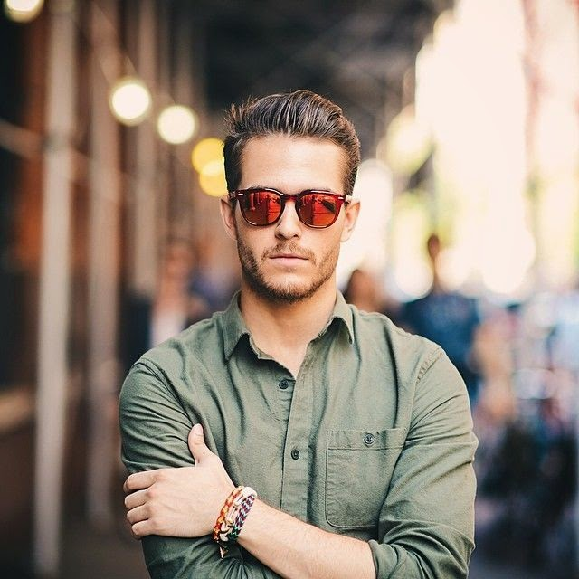 look masculino com óculos de sol