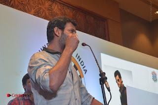 Simran and Vishal at the Launch of The Pride of Tamil Nadu Event Stills  0039.jpg