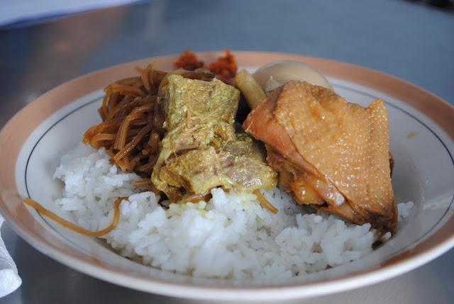 【优游泗水】第一天 午餐> 通往Bromo的旅程