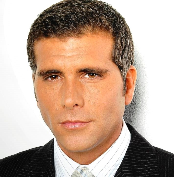Noticias y efemerides musicales y del cine actor peruano for Noticias famosos telenovelas
