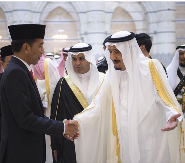 Sambut Tamu Besar Islam Bersama Sang Terdakwa yang Menodai Islam, Anda sehat tuan Presiden?