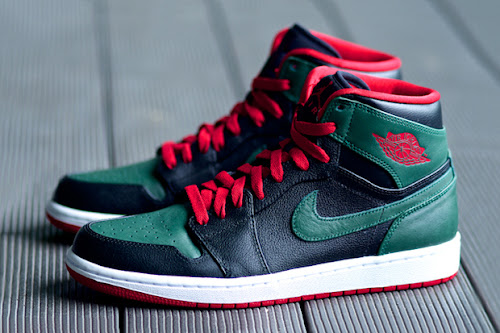 183a4f4ef7d Air Jordan 1 Retro High 'Gucci' Release Info. Air Jordan 1 Retro High Black/Gym  Red-Gorge Green-White 332550-025