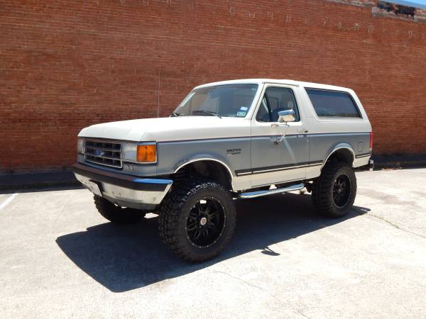 1989 Lifted Ford Bronco