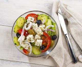 Very fast Greek salad