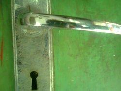 Perangkat kunci rumah