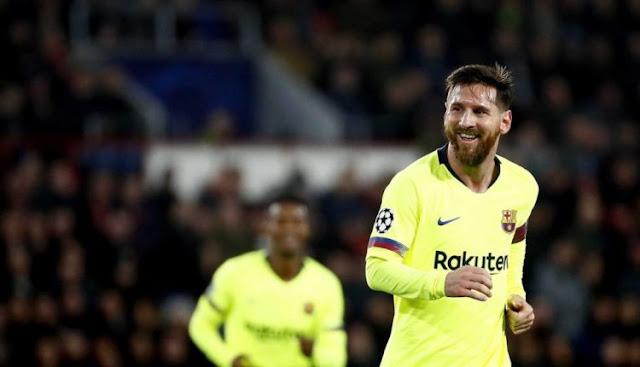 PSV 1-2 Barcelona: Messi Ternyata Tak Sengaja Berikan Assist Untuk Pique