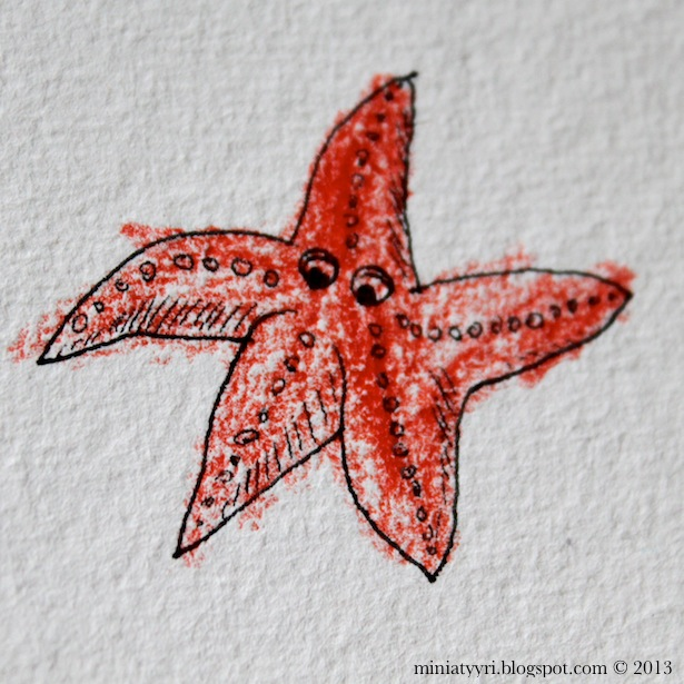 Meritähti, jonka äiti piirsi ja lapsi väritti - Starfish, drawn by mother and coloured by child | Miniatyyria