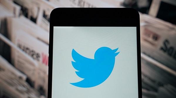 تويتر تختبر طريقة جديدة لعرض الحسابات الشخصية