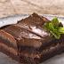 Φτιάξτε εύκολα brownies με 3 υλικά (video)