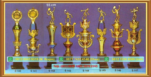 Grosir piala,piala murah,produksi piala, piala,jual piala,Jual Piala Batam, Toko Piala Murah Batam, Harga Piala Batam, Jual Piala Batam, Jual Trophy Batam