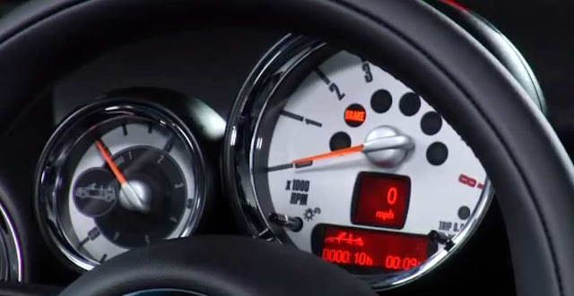 fitur unik di mobil