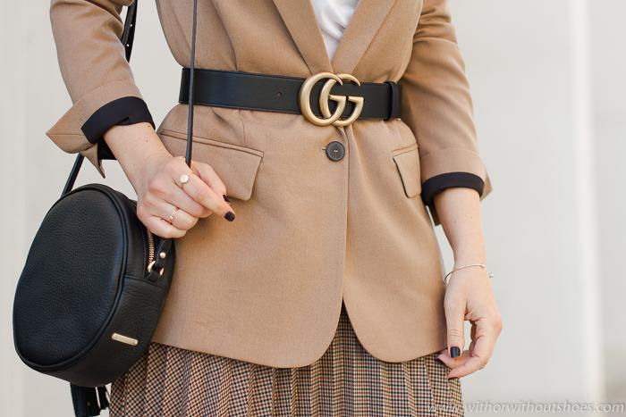 Como combinar Cinturón Gucci con una chaqueta blazer