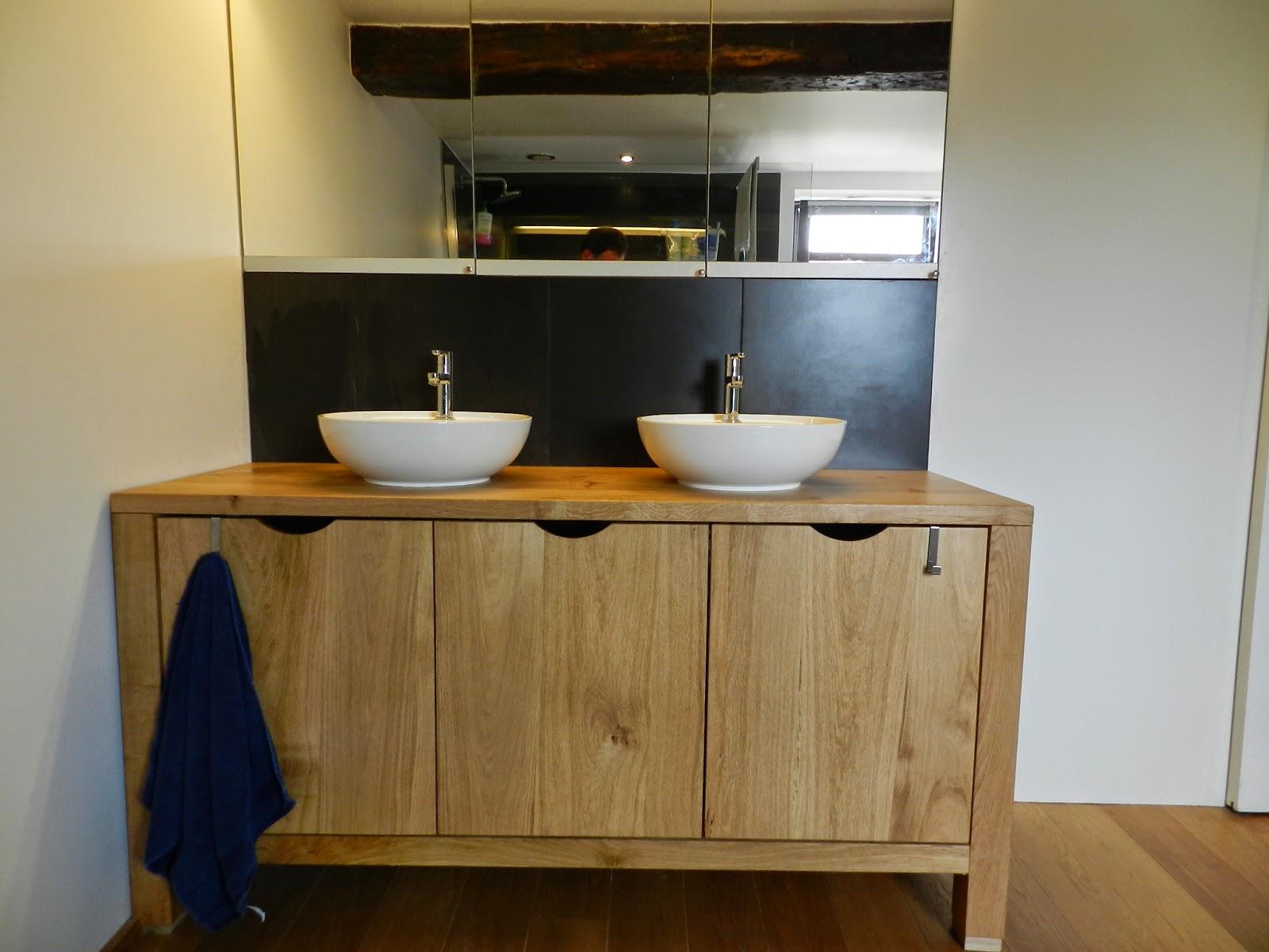 Ma maison au naturel un meuble de salle de bain en ch ne - Meuble salle de bain en chene massif ...