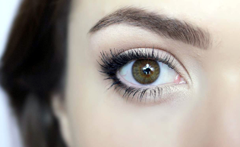 Beauty Trick Will Make Eyes Look Bigger and Brighter on Wedding Day
