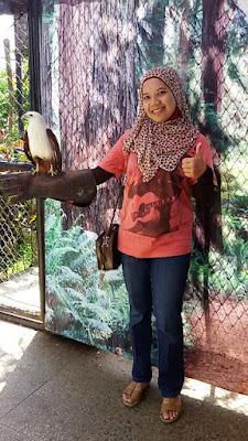 wisata keluarga ke batu secret zoo dan eco green park jatim malang nurul sufitri mom lifestyle blogger