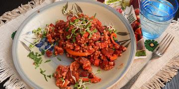 Stir fry z chorizo, buraczkiem i kaszą gryczaną